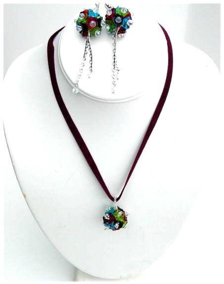 Glass Necklace Set.JPG N_GNS092406      $49.00