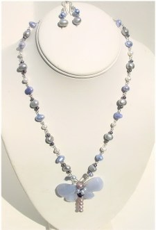 Chalcedony and Pearls Necklace Set