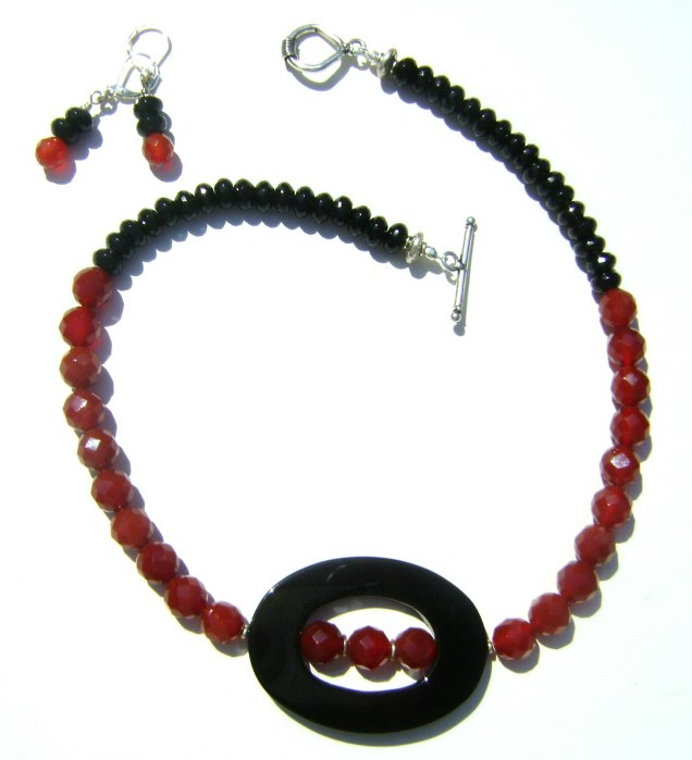 Elegant Carnelian and Onyx Necklace Set
