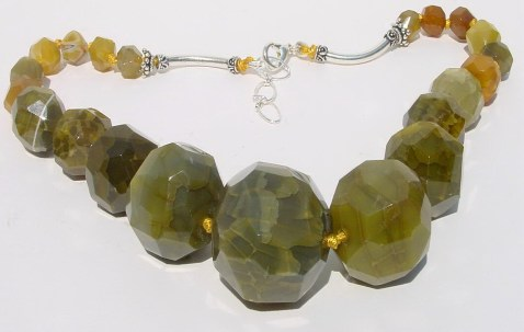 Handknotted Agate Necklace